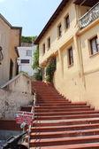 Merdiven-e doğru ev — Stok fotoğraf