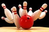 Quille et boule de bowling — Photo