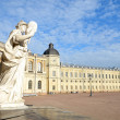 Statue 'Justice' near the Gatchina Palace — ストック写真