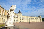 Statue 'Justice' near the Gatchina Palace — Stock fotografie