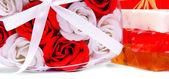 多彩的肥皂。肥皂的玫瑰窗体中. — 图库照片