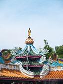 Statue of Buddha with lotus base — Stock Photo