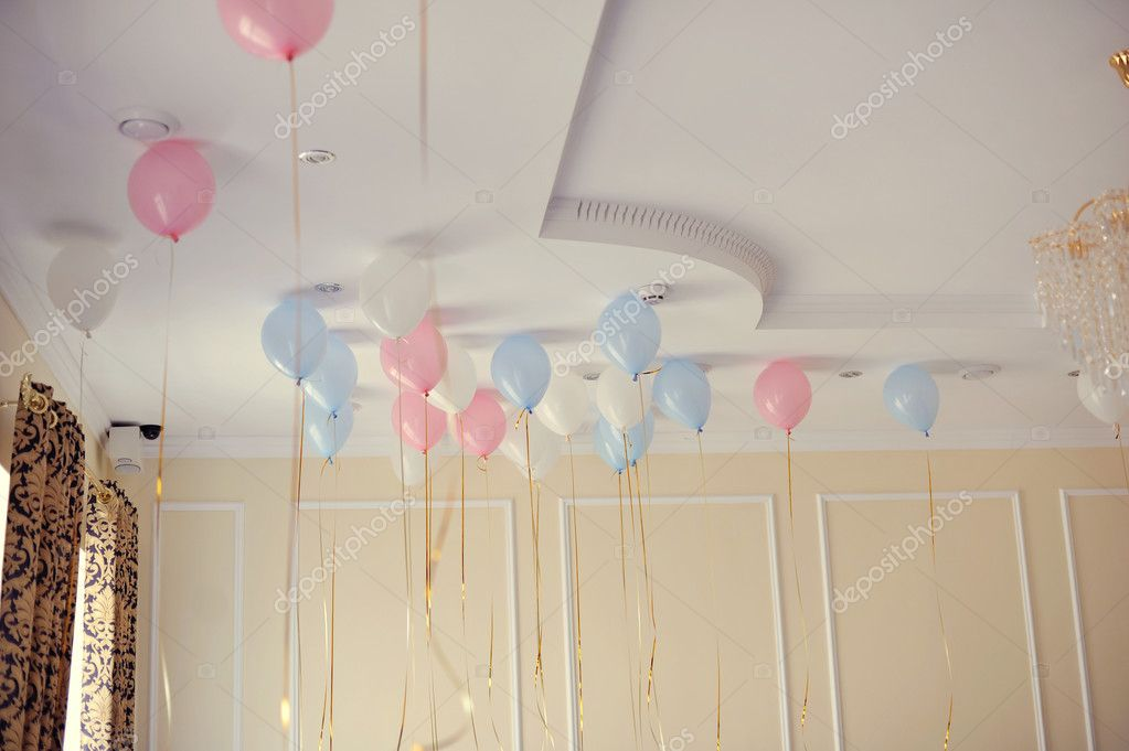 In a nursery balloons fly — Stock Photo #11110938