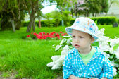 The child in a summer hat — Stock Photo