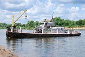 Rzeka pracy łódź — Zdjęcie stockowe
