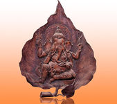 The Carving wood of ganesha on reflect background — Stock Photo