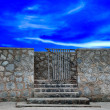 The Stairs down to the beach on blue sky background — Foto de Stock