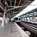 BANGKOK, THAILAND - JUNE 25: The Tracks of train on sky train in — Stock Photo #10885980