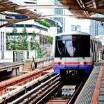 BANGKOK, THAILAND - JUNE 25: The Tracks of train on sky train in — Stock Photo #10887394