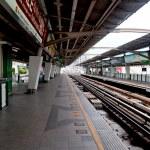 BANGKOK, THAILAND - JUNE 25: The Tracks of train on sky train in — Stock Photo #10887937