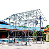 The Under construction using steel frames — Stock Photo