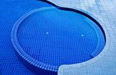 The Beautiful shape of swimming pool in resort — Zdjęcie stockowe