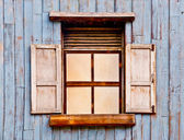 Старые деревянные окна — Стоковое фото
