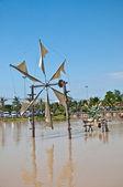 łopat turbin wiatrowych w błękitne niebo — Zdjęcie stockowe