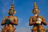Estatua gigante de estilo tailandés nativo — Foto de Stock
