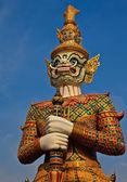 Native Thai style giant statue — Stock Photo