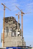 Bau-website und blauer himmel — Stockfoto