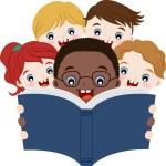 multiculturales niños leyendo libro — Vector de stock