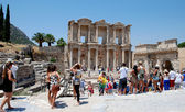 Tourists at Ephesus, near Izmir, Turkey — Stock Photo