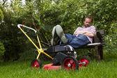Lawnmower nap — Stock Photo