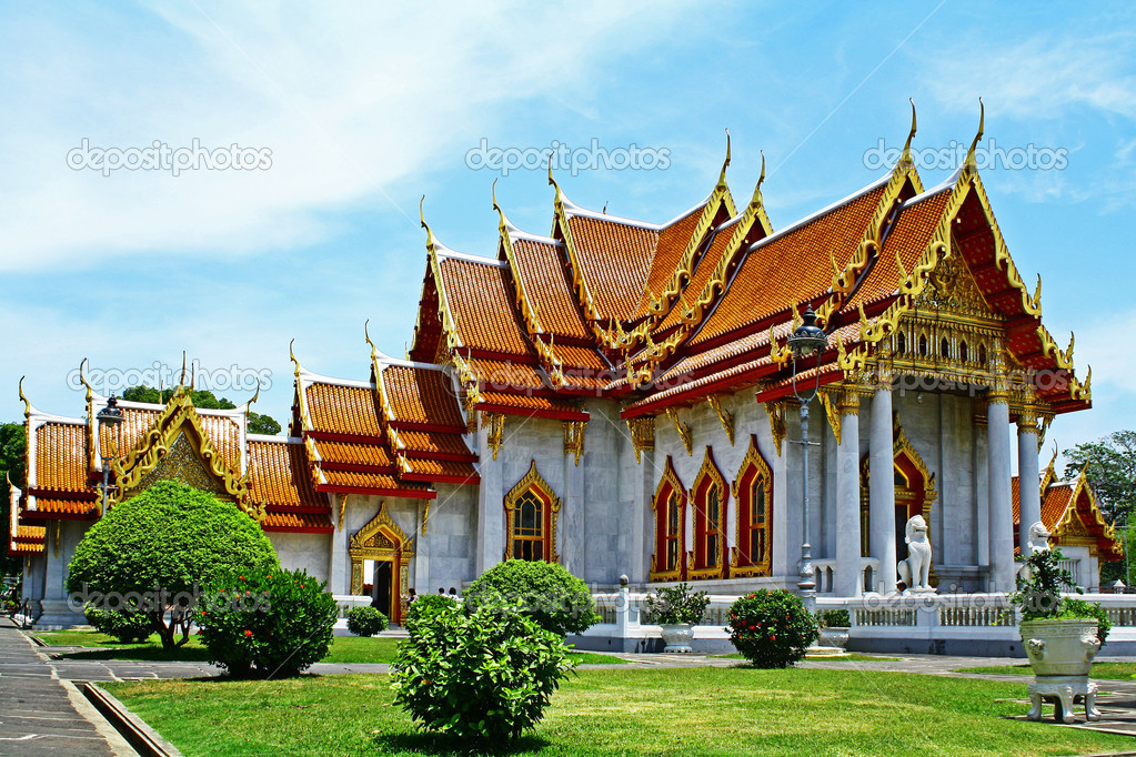 Wat Benchamabophit Also known as the marble temple, Bangkok, Thailand.  — Stock Photo #10774746
