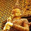 Thai sculpture at  Wat Phra Kaeo, Bangkok — Stock Photo
