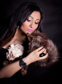 Beautiful oriental girl with fox fur — Stock Photo