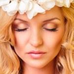 Piękny portret pięknej kobiety — Zdjęcie stockowe