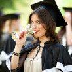 Bachelor's graduates celebrate — Stock Photo