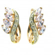 Gold earrings with shiny crystals — Stockfoto