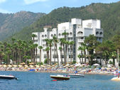 Luxury hotel with beach shore in marmaris turkey — Stock Photo