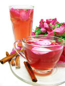 Punch cocktail tea drink with wild rose and cinnamon — 图库照片