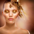 Golden Makeup. Luxury Fashion Girl Portrait — Stock Photo #11103583