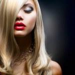 Blond mode meisje — Stockfoto