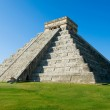 Mayan Pyramid Chichen Itza, Mexico — Stock Photo #11103954