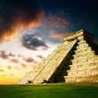 Pyramide Maya de Chichen itza — Photo #11103958