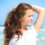 Beautiful Girl in Tropical Resort. Ocean Beach — Stock Photo