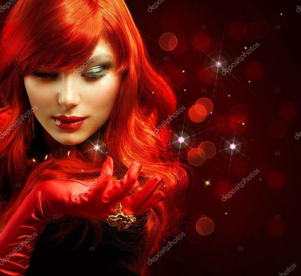 赤髪。ファッションの少女の肖像画。マジック \u2014 ストック写真 11103626