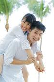 Kochający asian para na wakacje. — Zdjęcie stockowe
