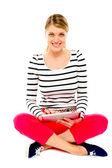 Bella donna con il suo tablet pc — Foto Stock