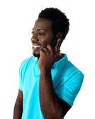 Afryki facet komunikowania się przez telefon — Zdjęcie stockowe