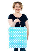 Sac à provisions shopaholic tenue féminine — Photo