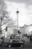 Old Mini in Trafalgar Square — Stock Photo