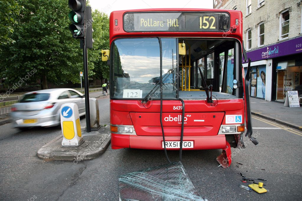 London, UK - May 31, 2011: Bus appeared to be out of service after traffic accident around South Wimbledon — Stock Photo #11586686