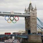 Olympic Rings on Tower Bridge — Stock Photo #11809099