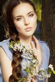 çiçekli kadın portresi — Stok fotoğraf