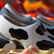 Colorful wooden clogs for sale at a Dutch market — Stock Photo