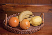 Fruit basket — Stock fotografie