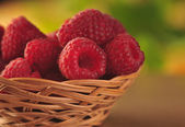 Raspberries in the basket — ストック写真