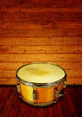 Old wooden snare drume — Stock Photo